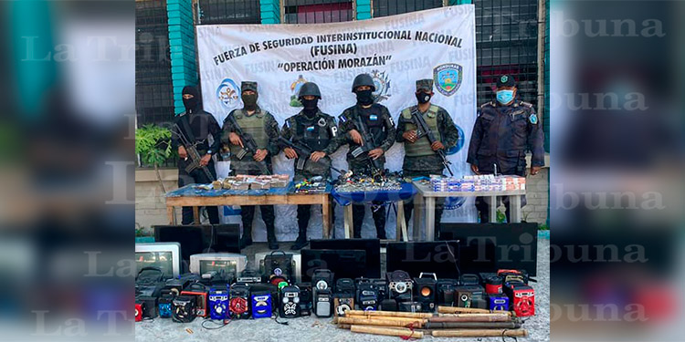 Más de L 300 mil y armas hallan en cárcel de Santa Rosa de Copán