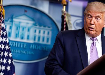 Trump pide votar por correo en Florida pese a su guerra contra esa modalidad