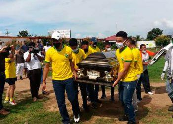 Familiares y jugadores del Social Sol dieron cristiana sepultura a Héctor Fúnez