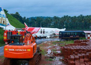 Socorristas impactados por la 'sangre y la muerte' del accidente aéreo en India