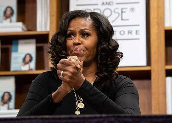 La COVID-19, los conflictos raciales y Trump tienen a Michelle Obama deprimida