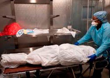La declaran muerta y pasa una noche en la morgue pero estaba viva