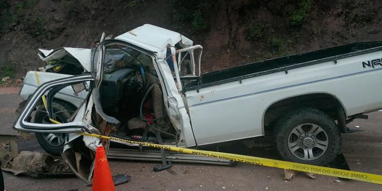 El carro paila quedó destruido al impactar atrás de la volqueta de la constructora que repara la carretera a la altura de Netiapa.
