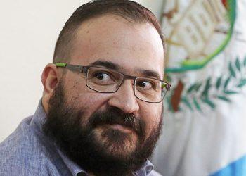 Exgobernador mexicano encarcelado niega haber regalado Ferrari a Peña Nieto