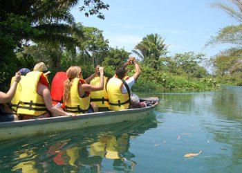 Capacitan  a  empleados  e  inspeccionan  destinos  para  reincorporar  el  sector  turismo  a  la  reactivación  económica.