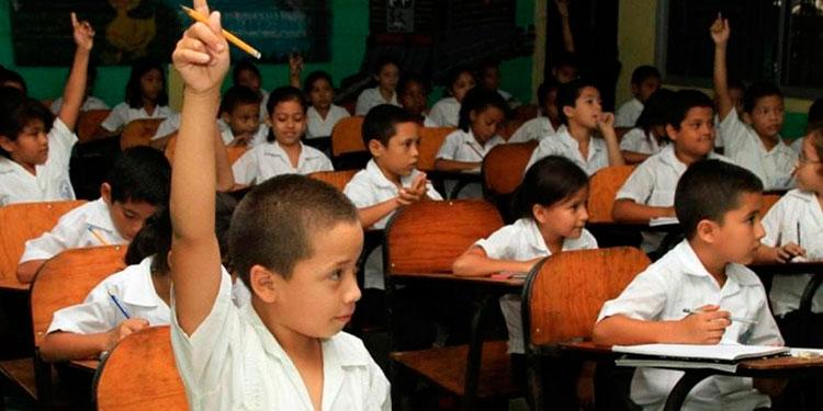 Educación demandará más recursos, porque con la pandemia, los hogares que cayeron en pobreza el próximo año mandarán a sus hijos al sistema público, prevén.