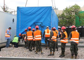 Los técnicos iniciaron con la colocación de la energía, plantas de agua y oxígeno.