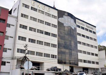 Multilaterales urgen a ENEE pagar deuda vencida hace 450 días con los generadores privados.
