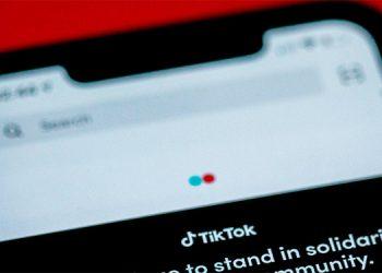 Alertan sobre peligroso reto viral de TikTok 'Benadryl challenge'