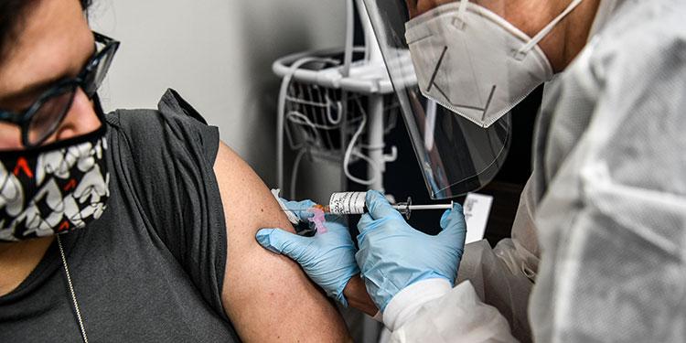 El mundo multiplica estrategias para hallar vacuna anticovid-19