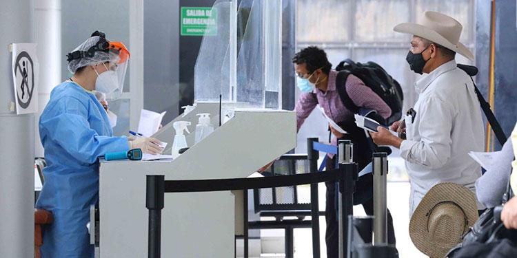 Pruebas PCR de laboratorios privados deberán presentar viajeros