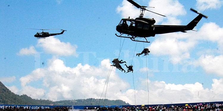 FF. AA. honrarán a la Patria con show aéreo