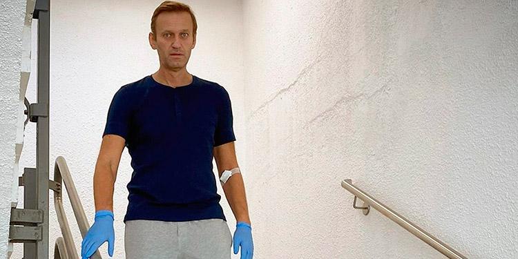 Navalni, de alta en Berlín y envuelto en incógnitas en torno a sus planes