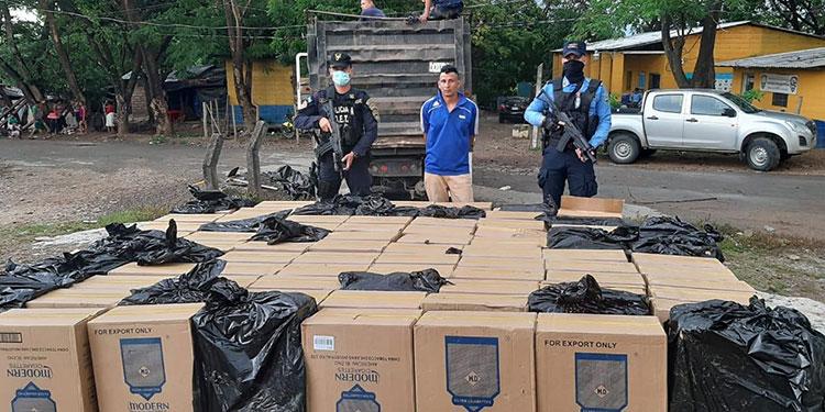 El detenido junto a la mercadería incautada, fue remitido ante las autoridades del MP, de la ciudad de Choluteca.