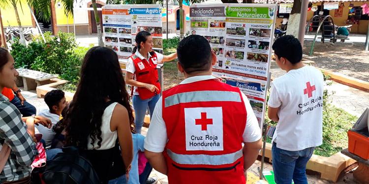 """Cruz Roja honrará a """"caídos"""" por COVID-19"""