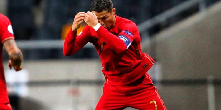 Cristiano marca su gol número 100 con Portugal