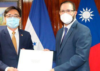Diego Wen, embajador de Taiwan.