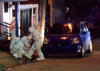 El jueves anterior en la colonia El Pedregalito de Comayagüela, varios hombres uniformados como policías y militares ultimaron a cinco personas.