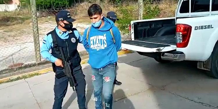 Las investigaciones indican que el ahora detenido conoció a la víctima a través de las redes sociales.