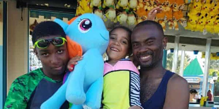 Familia de afroamericano muerto a manos de policía en EEUU recibe 6 millones