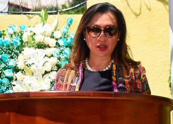 Linda Salazar, la embajadora Sandra Noriega, Ana Morales, Abrahán Luna y Owen Maravilla.
