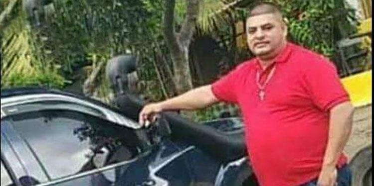 Erick Fernando Serrano Dueñas (foto en vida) murió a consecuencia de un violento ataque armado en la aldea Satuyé, La Ceiba, Atlántida.