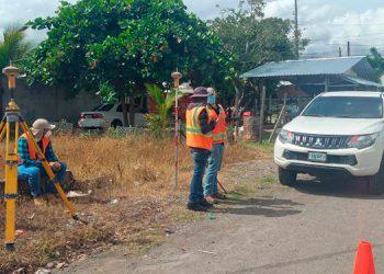 Ya se comenzaron a actualizar los estudios de suelo para proceder a la construcción del tramo final de la Calle 8 en La Ceiba.