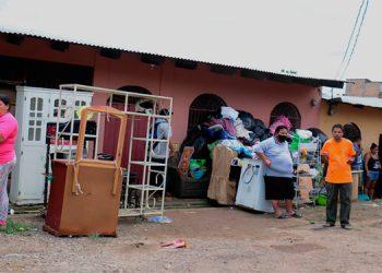 Las familias afectadas tuvieron que desalojar sus viviendas para proteger sus vidas, ya que las tormentas continuarán.