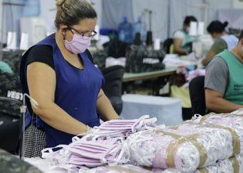 Honduras no producía mascarillas y ahora sobresale como exportador.