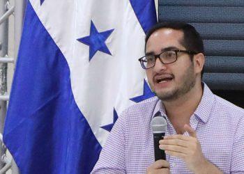 Marco Midence anuncia que dio positivo al COVID-19
