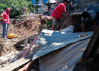 Las viviendas quedaron destruidas casi en un 80 por ciento, luego del derrumbe.