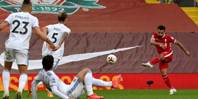 Liverpool se salva a última hora de la bendita locura de Bielsa