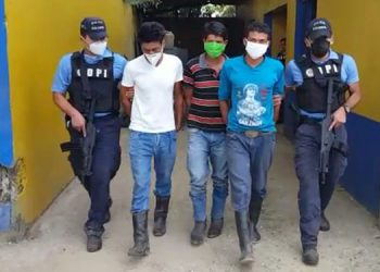 La DPI remitió a los detenidos a disposición del juzgado que ordenó su captura.