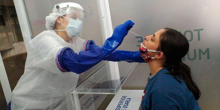Según epidemióloga: Población se practica más PCR en centros privados