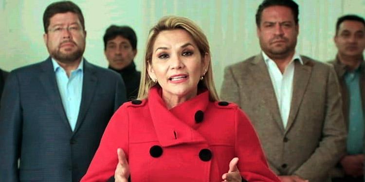Presidenta de Bolivia renuncia a su candidatura