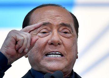 """""""Estoy luchando para salir de esta enfermedad infernal. Es muy fea. Dijo el tres veces primer ministro italiano, Silvio Berlusconi."""