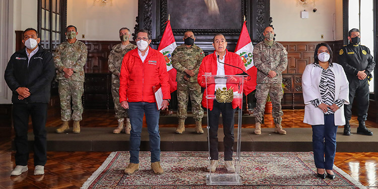 Jefe de Congreso buscó involucrar a militares en juicio a Vizcarra