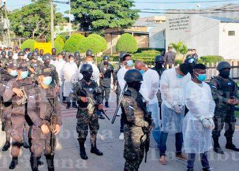 INP entrega a reos de Támara equipos de bioseguridad para asistir a juicio
