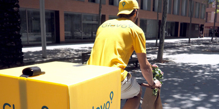 Cientos de hondureños ahora realizan muchas compras a través de las aplicaciones digitales con entregas a domicilio.