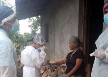 El personal del triaje de San Matías incluye dos médicos, dos enfermeras, un licenciado en enfermería, una microbióloga y dos aseadoras.