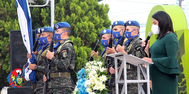 La vicealcaldesa de Siguatepeque , Alba Chávez Membreño, encabezó la conmemoración del 15 de septiembre.