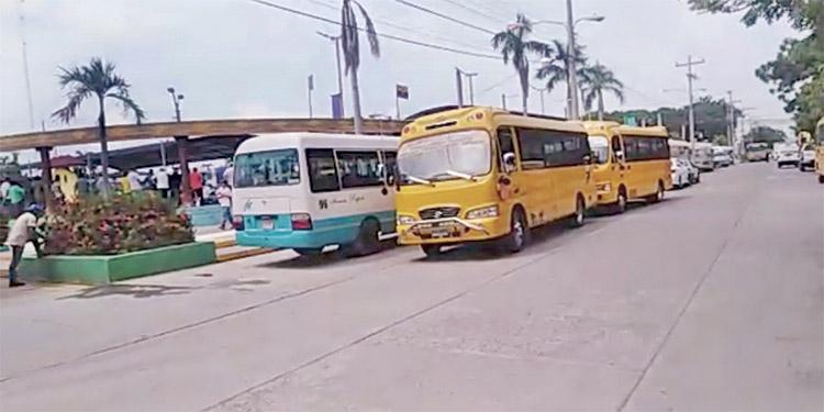 Los dueños y operarios de autobuses urbanos de Choluteca afirman que solo pérdidas han registrado desde el inicio del pilotaje.