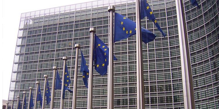 UE amenaza a Reino Unido con acción legal por proyecto de ley sobre Brexit