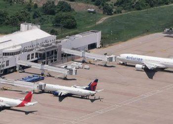La transición de los aeropuertos va permitir que los nuevos operadores de los aeropuertos internacionales tengan un personal 100% hondureño y debidamente capacitado.