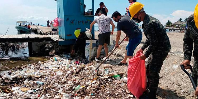 Honduras pide a Guatemala una 'solución permanente' por basural en río Motagua