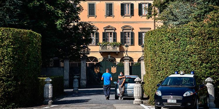Positivo al coronavirus también dos hijos de Berlusconi y su nueva novia