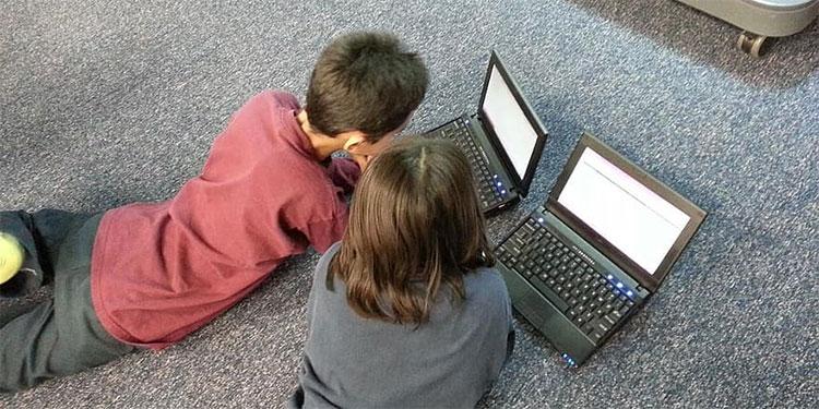 Que las clases en línea no sean un 'dolor de cabeza': te damos 3 tips para que tus hijos pongan atención