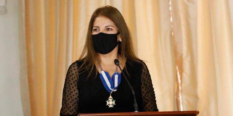 CN condecorará a Claudia Barrientos
