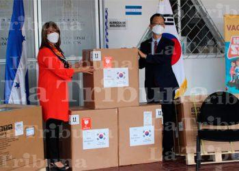 Corea del Sur entrega equipo médico a Honduras