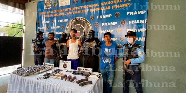 Con armas y droga capturan a tres miembros de la MS-13 en Chamelecón